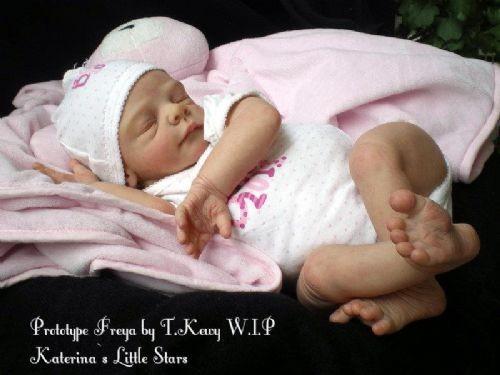LOTE 4 kit para reborn Freya by Tina kewy Sin certificado